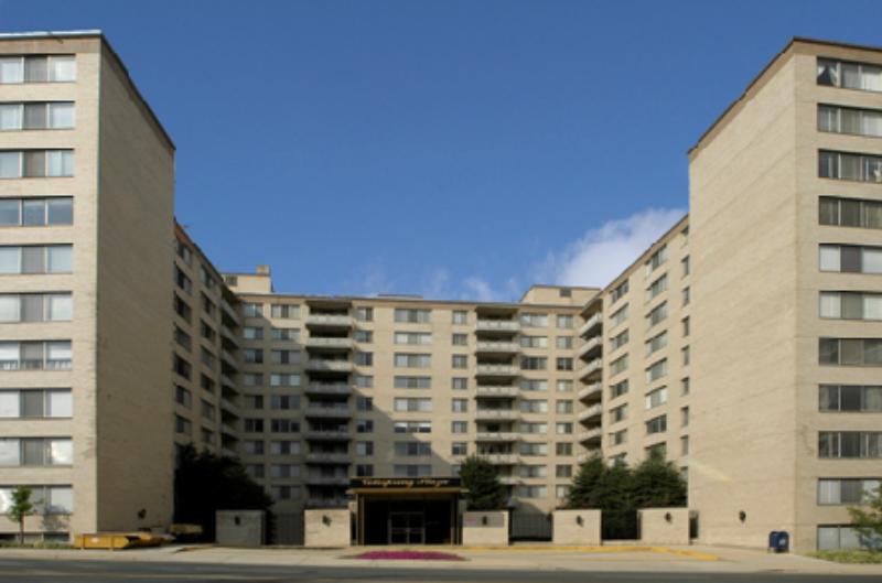 Cole Spring Plaza